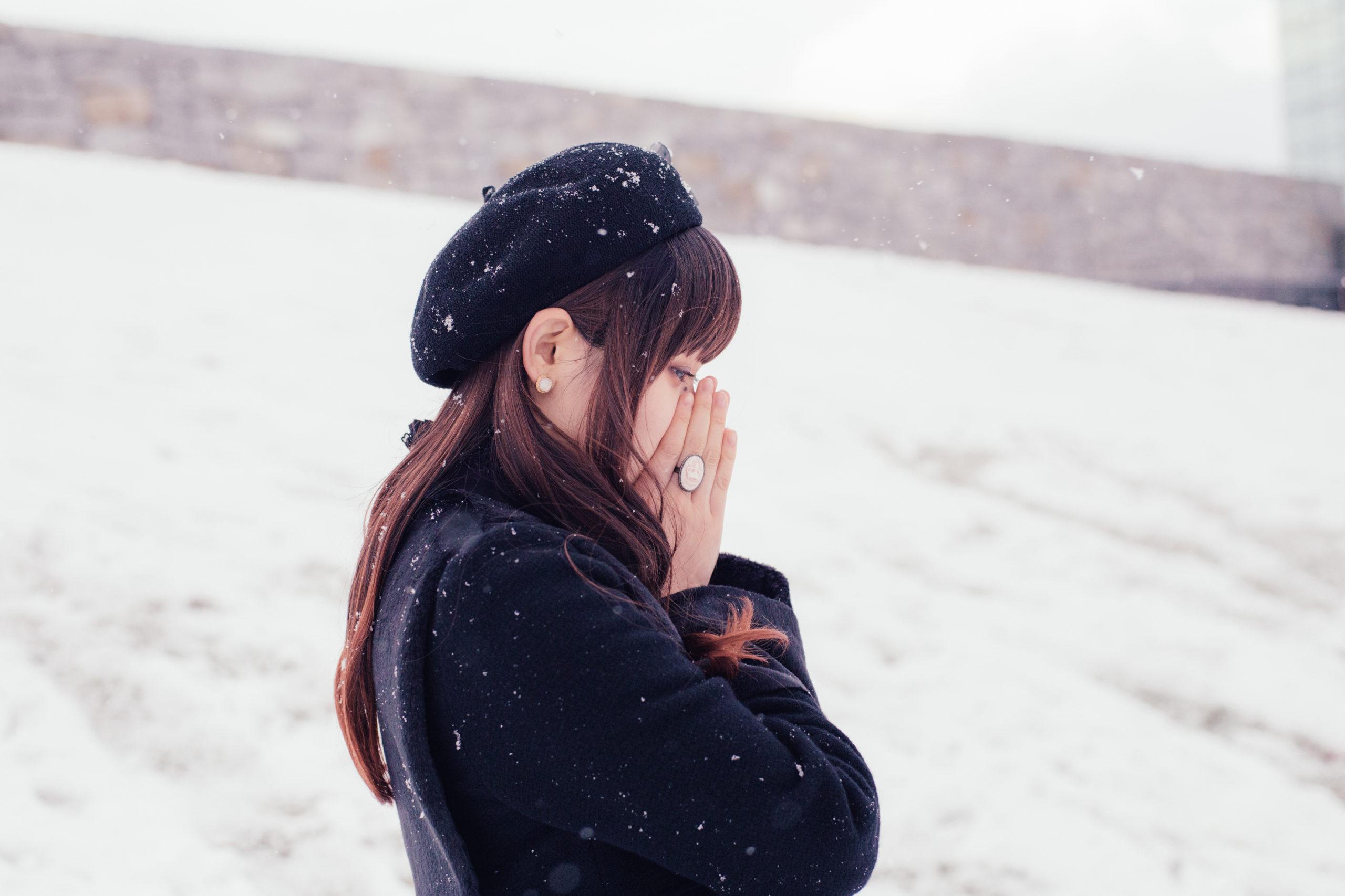 冬 女性 ポートレート 画像